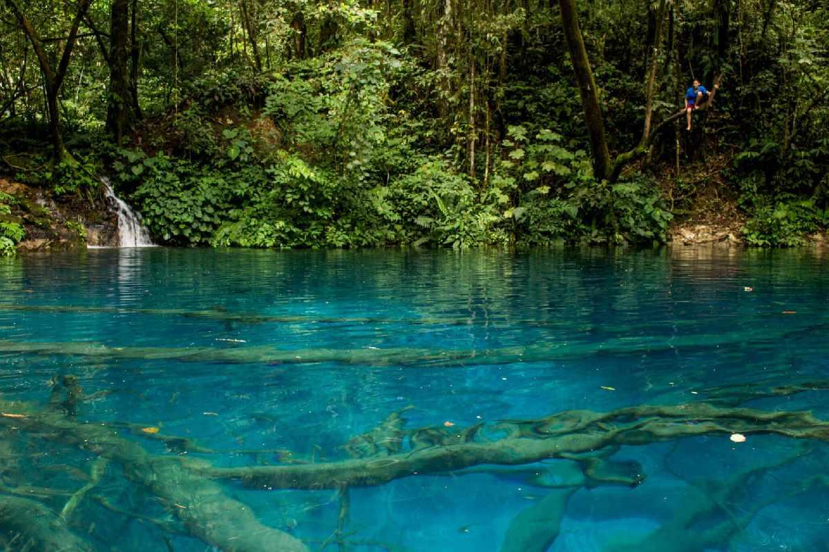 Wisata Alam yang Tersembunyi di Indonesia